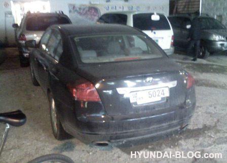 hyundai-genesis-rear.jpg