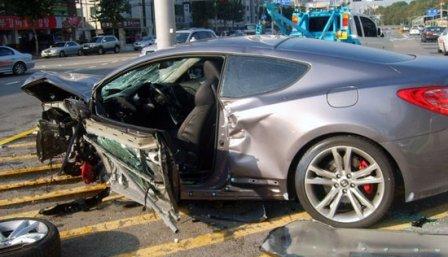 hyundai-genesis-coupe-1-accident1.jpg