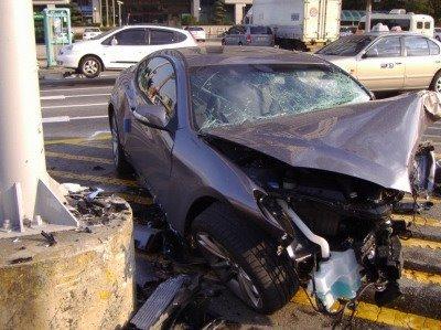 hyundai-genesis-coupe-10-accident.jpg