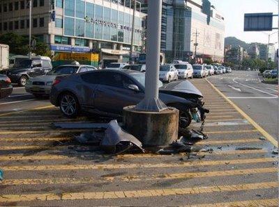 hyundai-genesis-coupe-5-accident.jpg