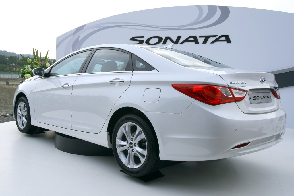 Hyundai Sonata 2011 Red Collection