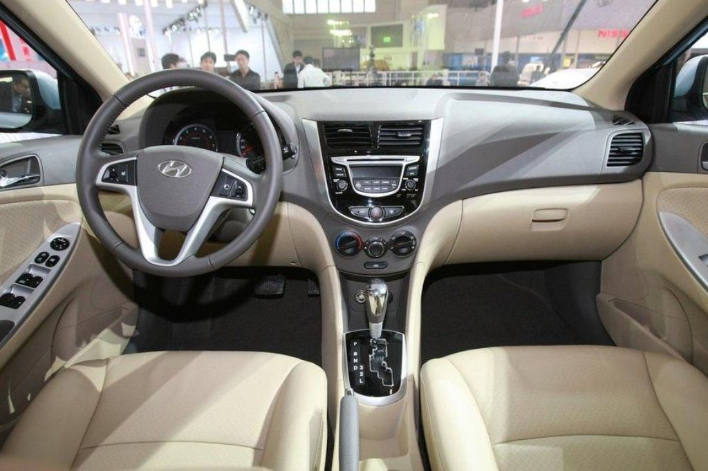 Hyundai Accent Interior