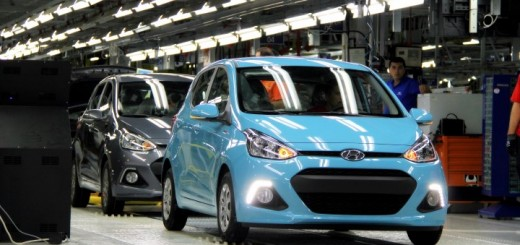 Blue-Hyundai-i10-photo