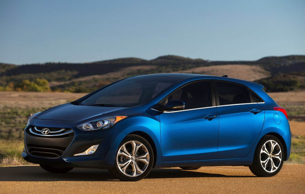 hyundai launches 2015 elantra gt pricing other changes detailed. Black Bedroom Furniture Sets. Home Design Ideas