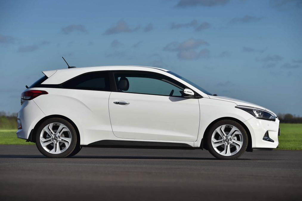 Uk 2015 hyundai i20 coupe on sale date pricing specs revealed