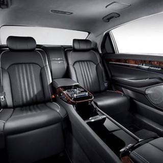 genesis-eq900L-interior