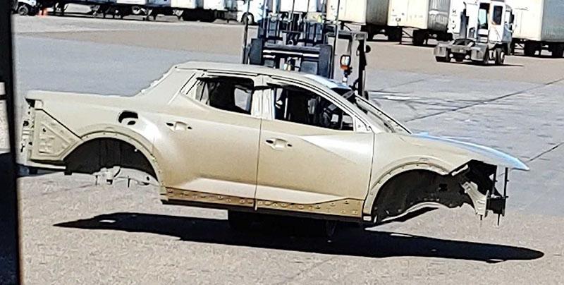 Hyundai pick-up truck spy shots