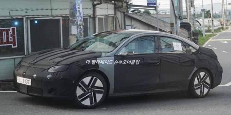 2023 Hyundai Ioniq 6 EV sedan
